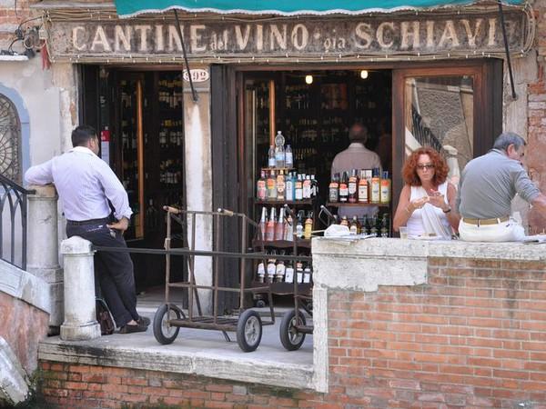 ヴェネツィアのワインに合うおつまみツナとココアのチッケット